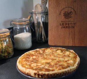 Restaurant Petit Jardin recette tarte poireaux chèvre et curry
