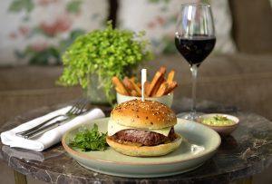 Restaurant Petit Jardin Burger